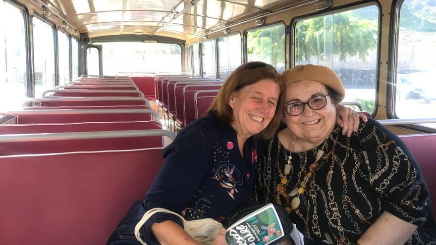Las escritoras Cecilia Domínguez Luis y Pepa Aurora