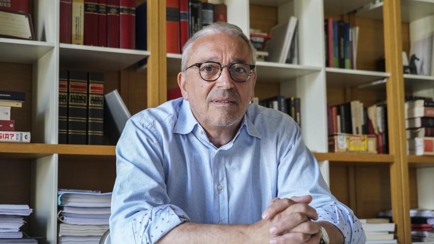 Xavier Melero en su despacho durante la entrevista