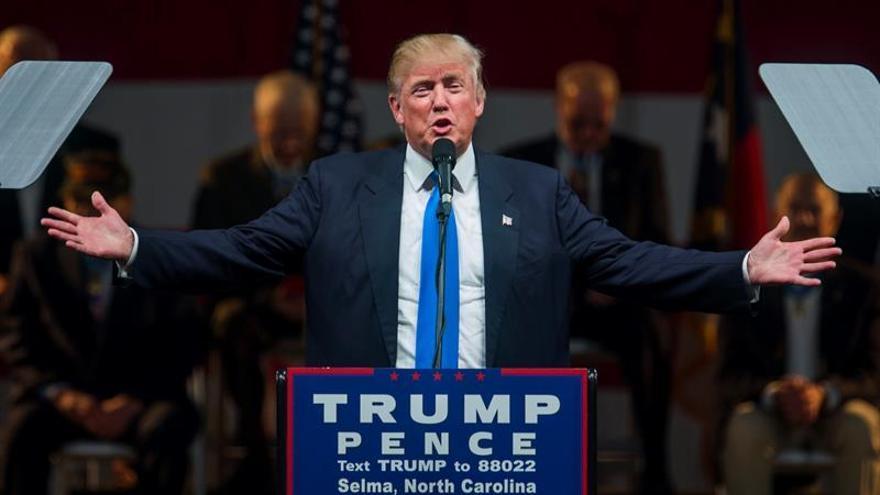 Trump busca arrancar votos en un mapa electoral que favorece a Clinton