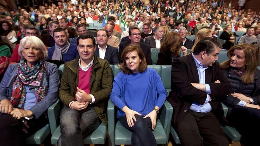 [PP] El PP comienza una gira por Andalucía con un mitin en Sevilla Juanma-Moreno-gobierno-mujeres-hombres_EDIIMA20150221_0246_13