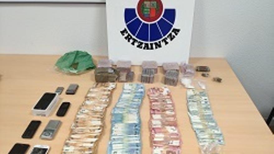 La Ertzaintza desmantela en Portugalete uno de los principales grupos distribuidores de droga de la Margen Izquierda