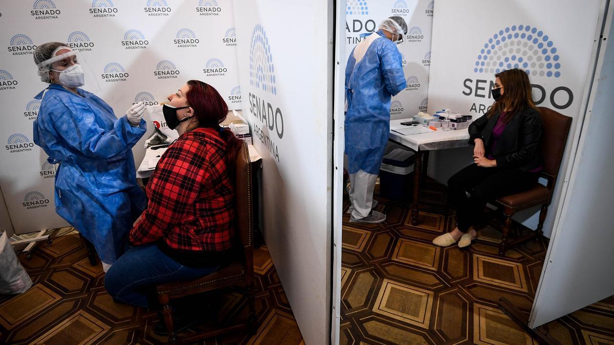 El Senado habilitó desde este mediodía un salón del Palacio Legislativo para realizar el test de antígenos a quienes participen hoy de la primera sesión.