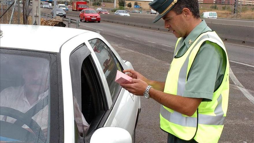 Un millón de conductores ya reciben notificación de multas por 'sms' o e-mail