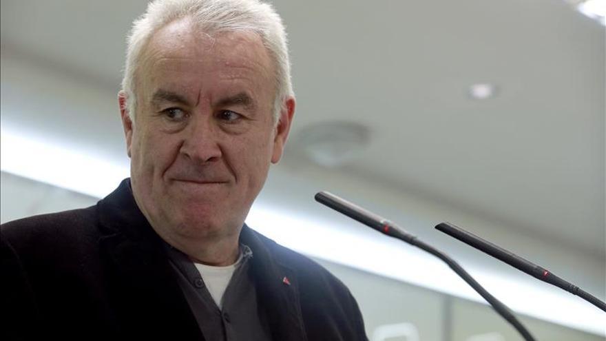 Cayo Lara acusa por primera vez a Podemos de lanzar una opa hostil contra IU