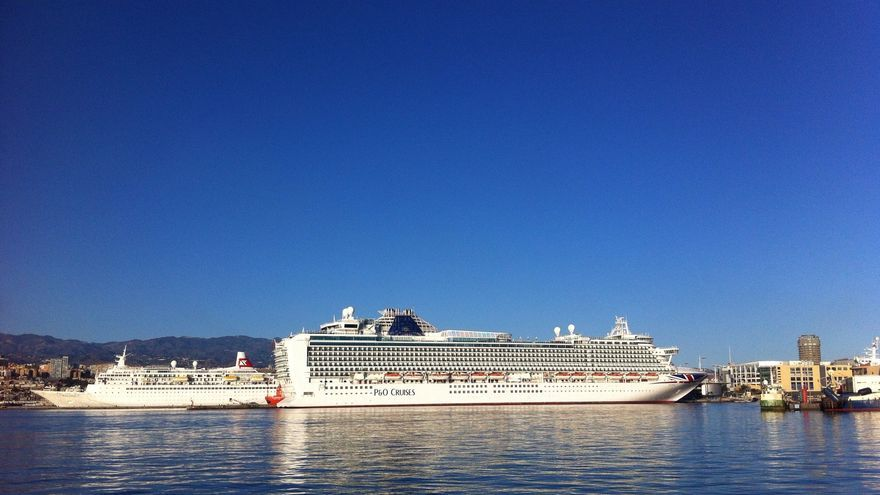 Las Palmas de Gran Canaria recibe mañana domingo al Ventura, uno de los barcos más grandes del mundo.