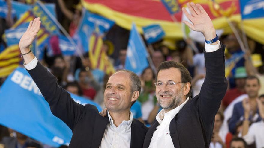 Francisco Camps y Mariano Rajoy en un acto de campaña del PP