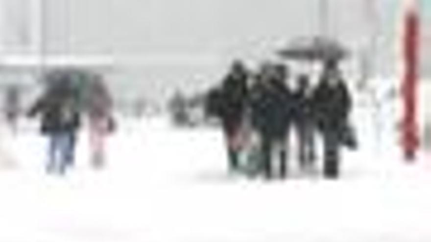 La alerta por viento, lluvia y nieve llega a 44 provincias