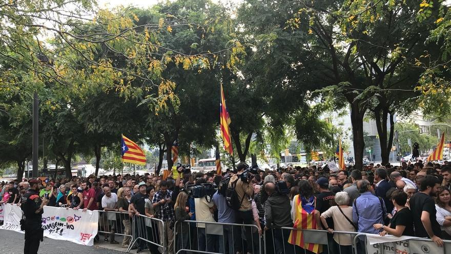 Profesores avisan que el Derecho Internacional no faculta a Cataluña a separarse ni a esgrimir autodeterminación
