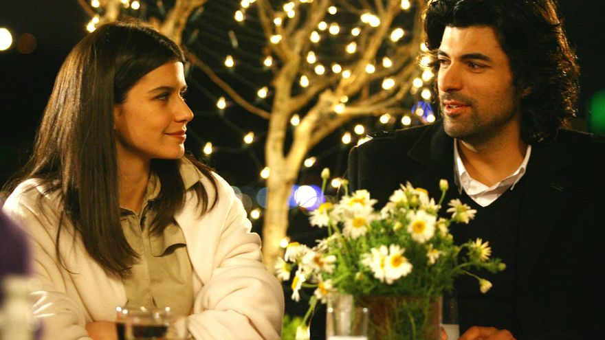 Los protagonistas de 'Fatmagül', en una escena de la telenovela turca