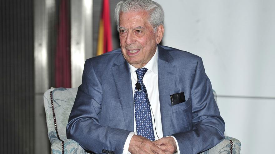 """Vargas Llosa cree que PSOE debe """"desatorar"""" la situación facilitando un gobierno con su abstención o participación"""