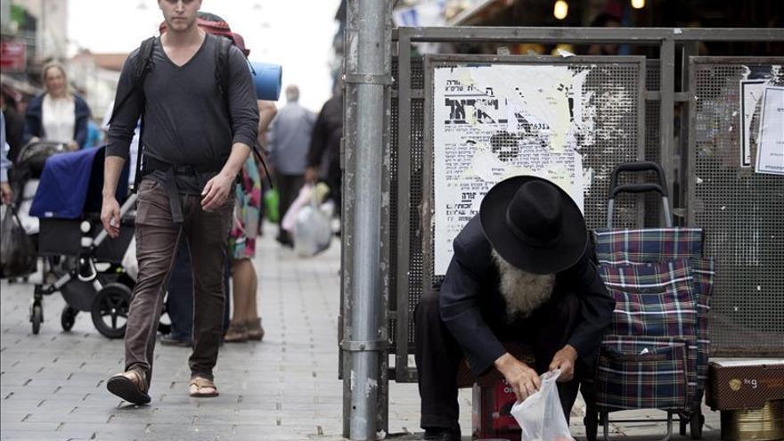 Un 22 por ciento de los israelíes vive en la pobreza, según un informe oficial
