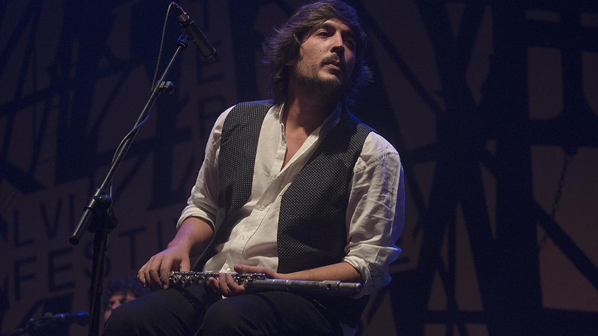 El instrumentista Sergio de Lope en el 56 Festival Internacional del Cante de las Minas