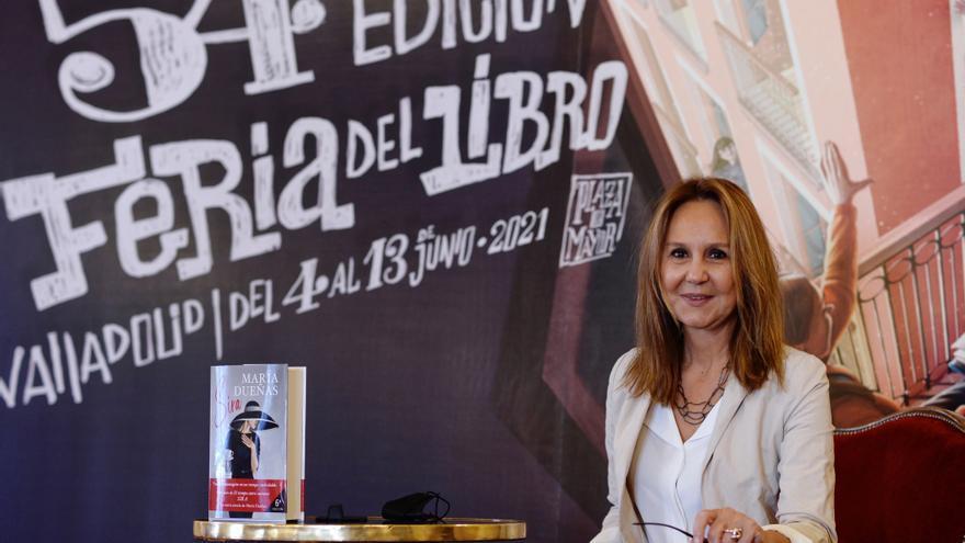 La autora María Dueñas y el cantautor Marwan acudirán a Feria del Libro de Panamá