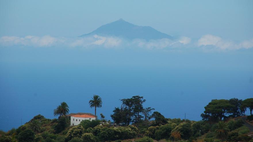 A partir del mediodía tenderá a poco nuboso o despejado este domingo en La Palma