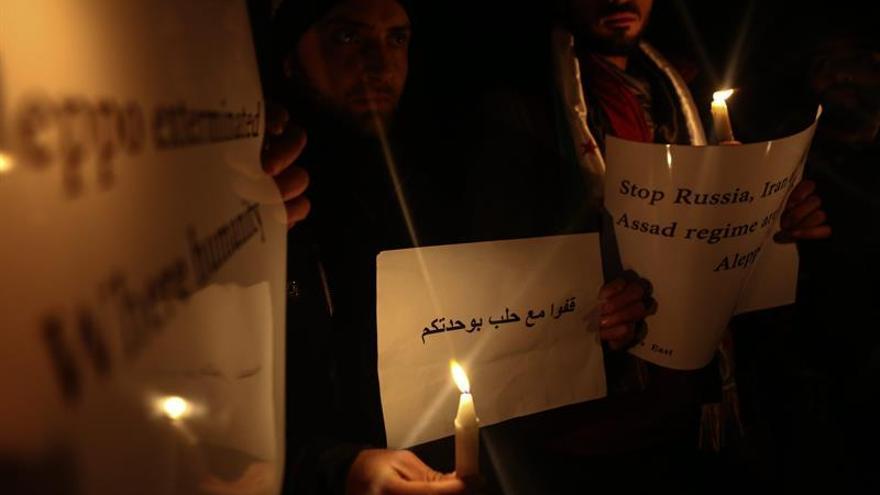 Las autoridades sirias retrasan la salida de los rebeldes de Alepo, según el Observatorio