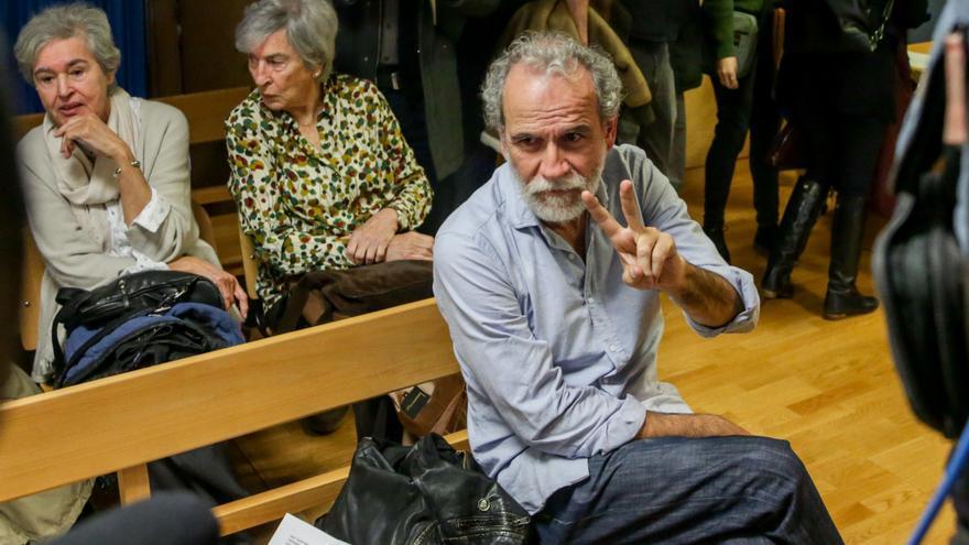 El actor Willy Toledo en el banquillo de los acusado del juzgado de lo Penal número 26 de Madrid.