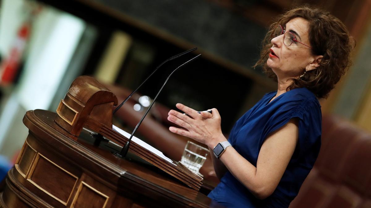 La ministra de Hacienda, María Jesús Montero, durante su intervención en el Congreso.