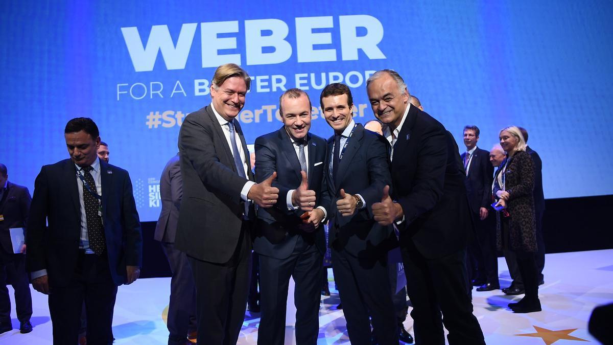 El secretario general del PPE, Antonio López-Istúriz; el presidente del PPE en el Parlamento Europeo, Manfred Weber; el presidente del PP, Pablo Casado; y el vicepresidente del PPE en la Eurocámara, Esteban González Pons.