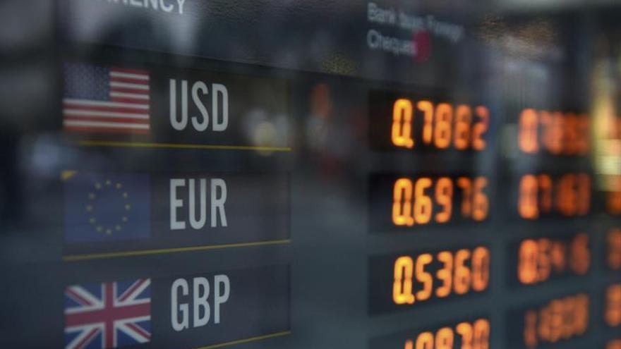 El euro sube hasta los 1,1243 dólares en Fráncfort