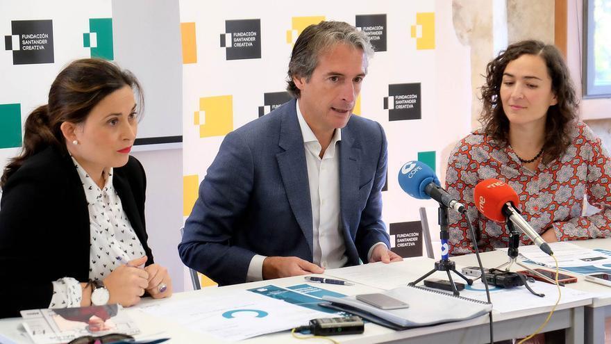 Miriam Díaz, Íñigo de la Serna y Alicia Trueba en rueda de prensa.   FSC