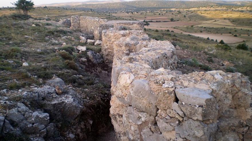 Los Pilones de Rubielos de la Cérida son uno de los mejores ejemplos de trincheras de la zona.