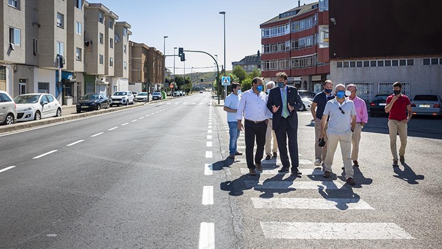 El consejero de Obras Públcas, Ordenación del Territorio y Urbanismo, José Luis Gochicoa, visita las obras de la carretera que une la A-67 con Matamorosa