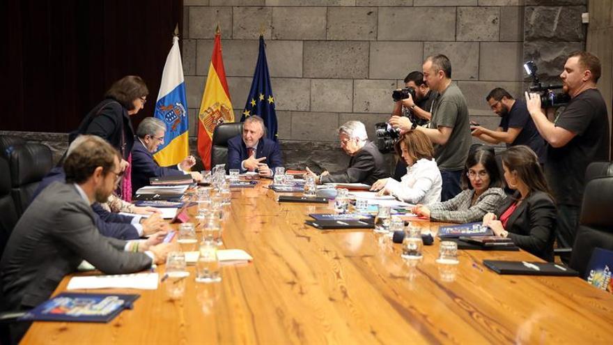 El presidente de Canarias, Ángel Víctor Torres, preside una reunión del Consejo de Gobierno.
