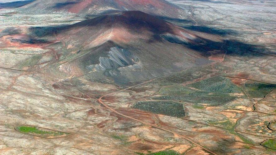 Paisaje volcánico reciente en el centro de Fuerteventura