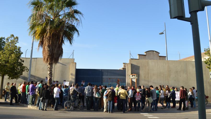 Concentración para el cierre del CIE de Zapadores de abril de 2014.
