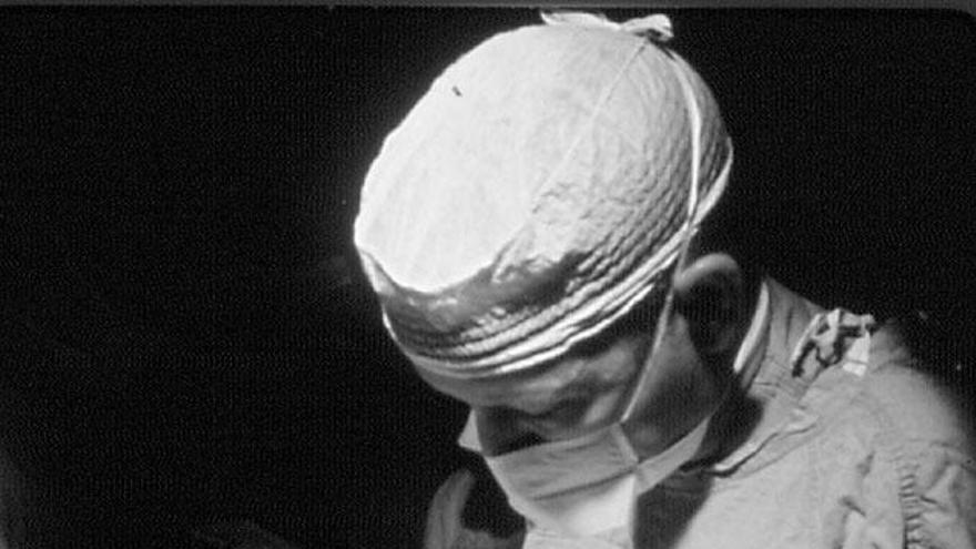 Implante del primer corazón artificial total en 1969 / Texas Heart Institute