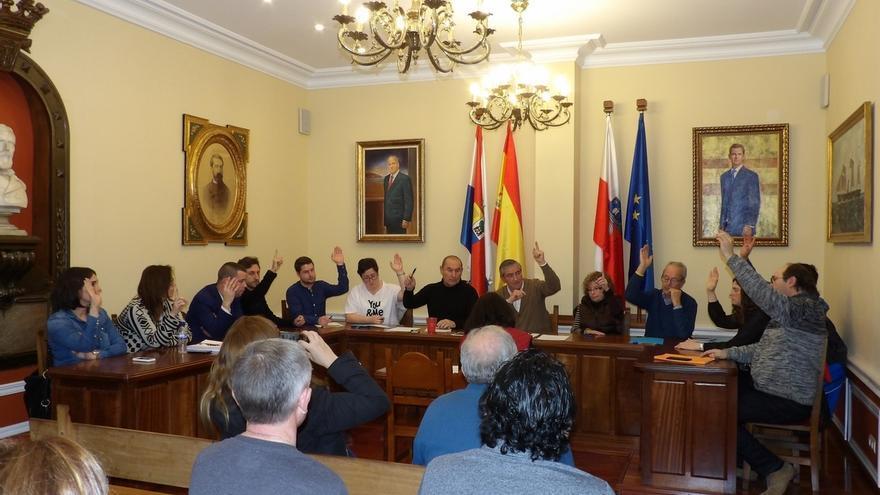 El Pleno rechaza por unanimidad ubicar la depuradora que sustituya Vuelta Ostrera en El Borroñal (Hinojedo)