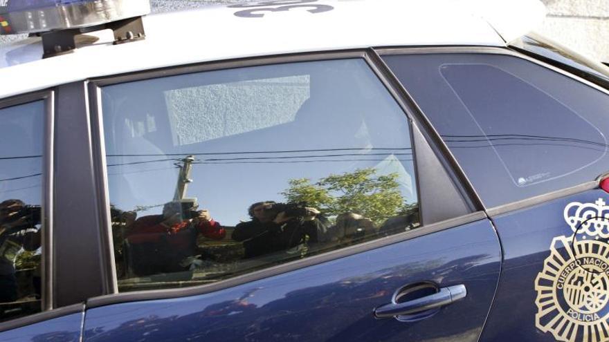 Veintiocho detenidos por 48 timos del tocomocho y la estampita en Madrid