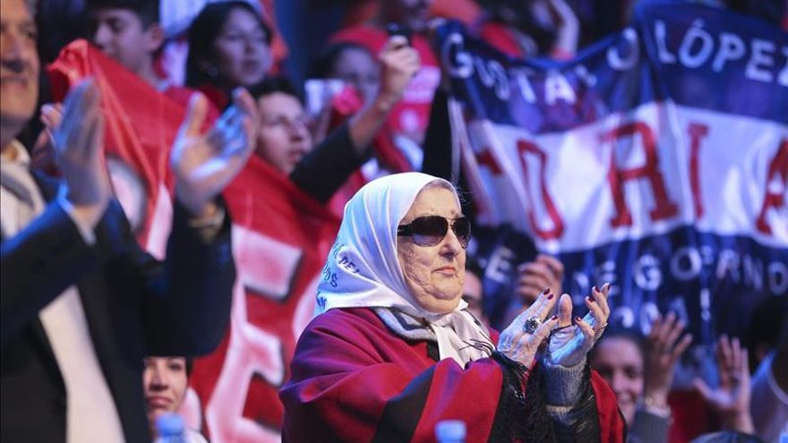 Denuncian a la presidenta de las Madres de la Plaza de Mayo por incitación a la violencia