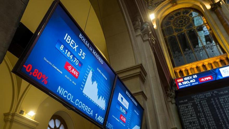La banca impulsa el IBEX al 0,72 % y al borde de los 8.600 puntos