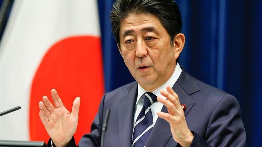 El primer ministro japonés planea esperar al verano para decidir sobre el IVA