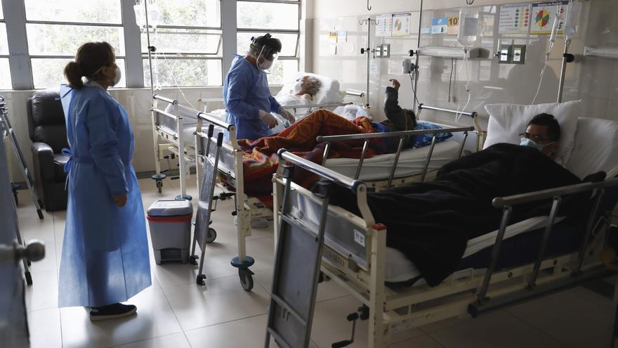 Perú mantiene el estado de alerta a pesar del descenso de casos activos de COVID