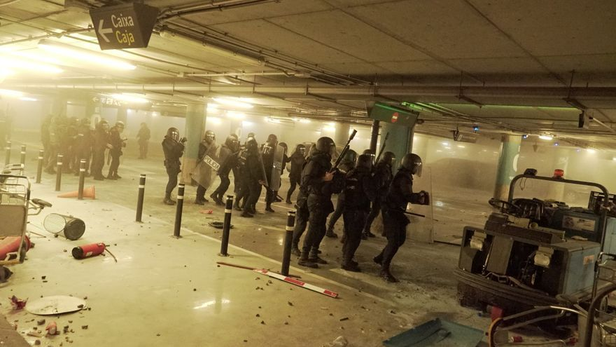 La Policía Nacional, en una de sus actuaciones en el aeropuerto