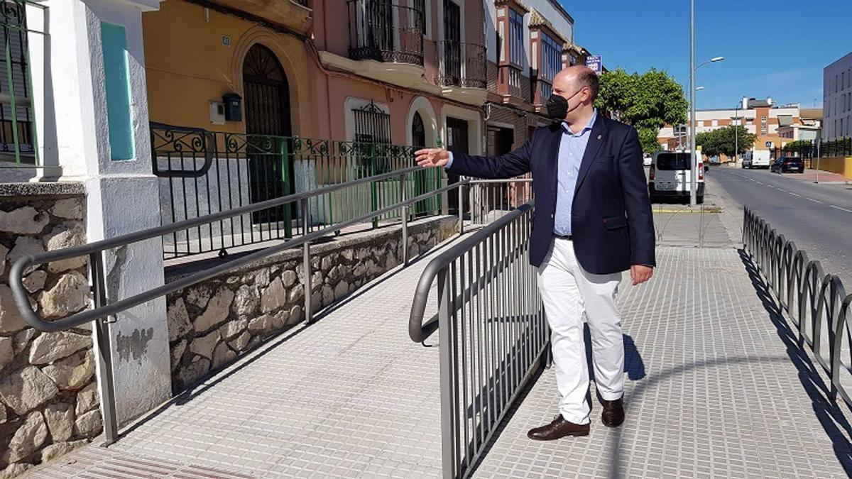 El concejal durante una visita a las obras
