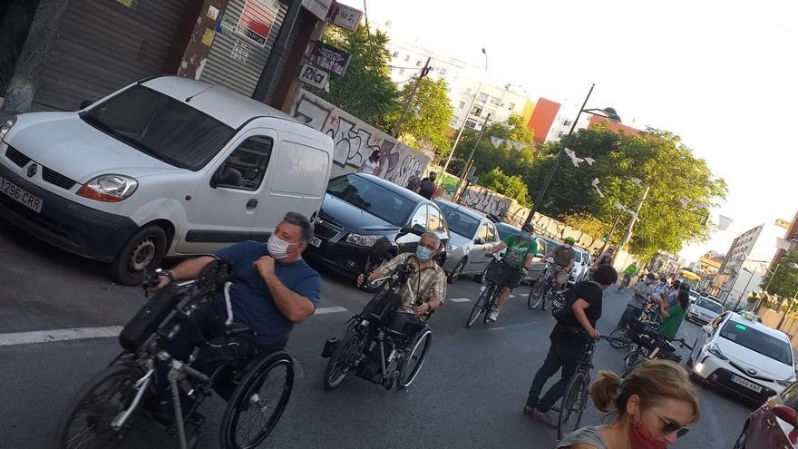 La cadena ciclista en la calle de Sant Vicent