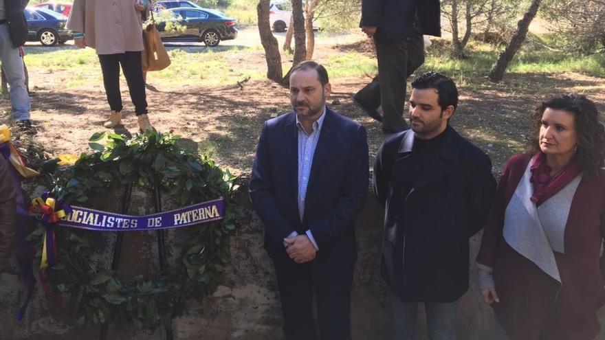 """Ábalos pide a la familia Franco """"humildad por ellos mismos y, ya que les gusta tanto, por aprecio a la patria"""""""