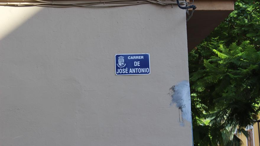 Calle José Antonio Primo de Rivera en La Pobla de Vallbona