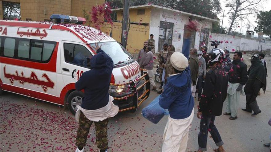 Pakistán ejecuta a dos condenados por terrorismo más y suma 22 ahorcamientos