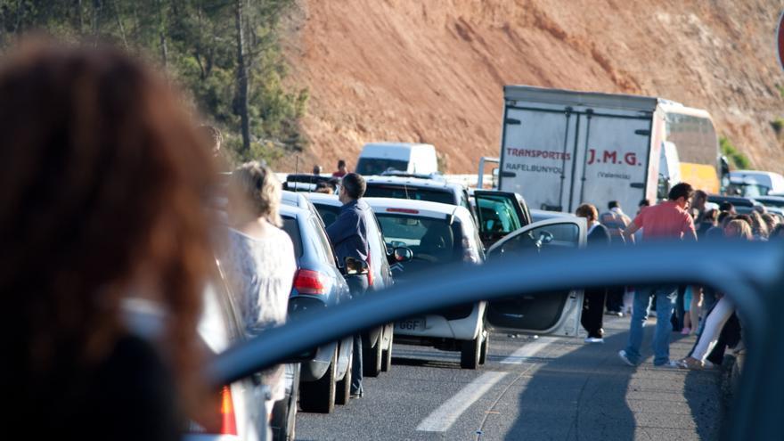 El clásico atasco del veraneo dará información sobre los desplazamientos vacacionales de los españoles gracias a nuestros móviles