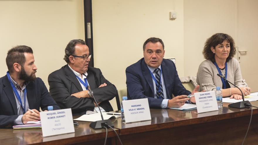 Juan Pedro Sánchez, tercero por la izquierda, en la sede del Consejo de Seguridad Nuclear