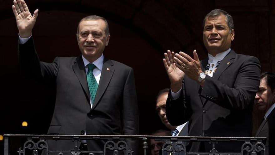 Los presidentes de Ecuador y Turquía revisan las relaciones bilaterales