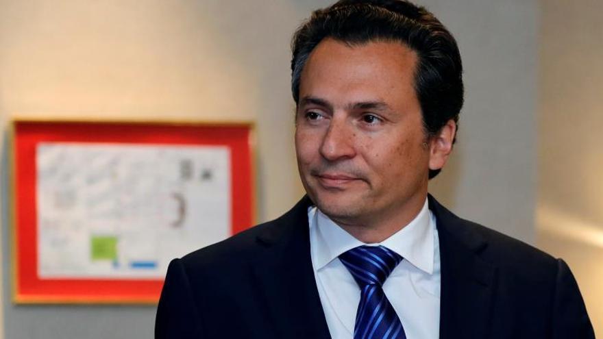 Fotografía de archivo fechada el 17 de septiembre de 2017 del exdirector de Petróleos Mexicanos (Pemex) Emilio Lozoya en Ciudad de México (México).