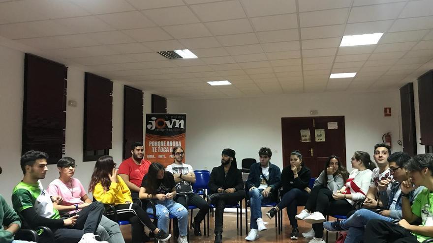 Jóvenes que participaron en la reunión.