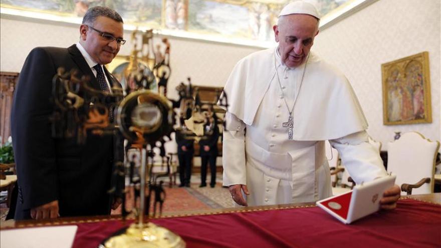 En la reliquia de Romero regalada al papa hay sangre del arzobispo asesinado