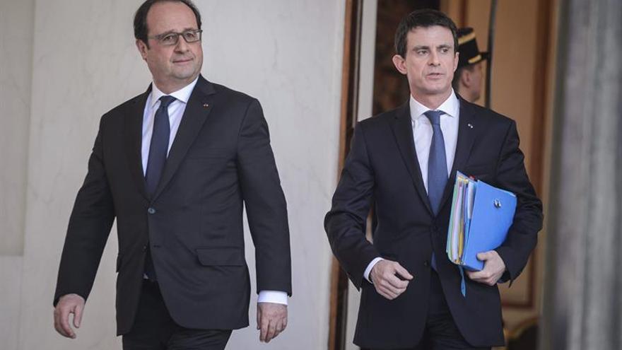 El presidente de Francia, François Hollande y el primer ministro francés, Manuel Valls.