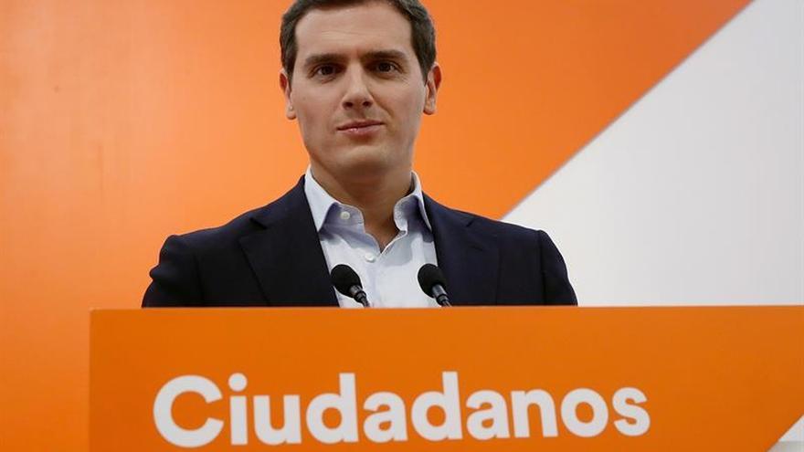 """Rivera avisa que Sánchez ya """"estafó"""" a los españoles prometiendo elecciones"""